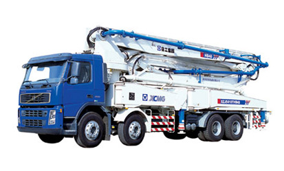 XCMG HB44   Truck-mounted Concrete Pump